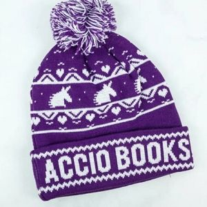 ACCIO BOOKS Harry Potter Pom Beanie Owl Crate Hat